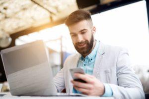 Celular para uso corporativo: 5 características que ele precisa ter