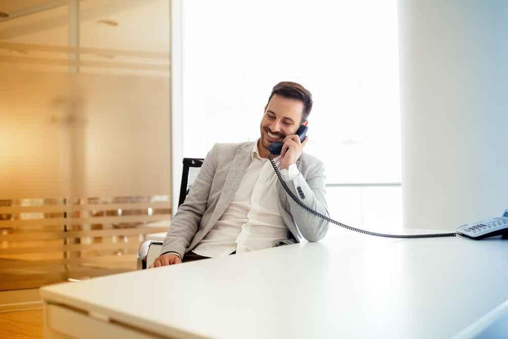 Como manter uma boa estrutura de telefonia na sua empresa?